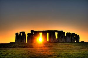 800px-Stonehenge_(sun)