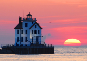 Lorain_lighthouse___Flickr_-_Photo_Sharing_