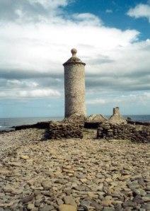 Old_Lighthouse,_North_Ronaldsay_-_geograph.org.uk_-_70444